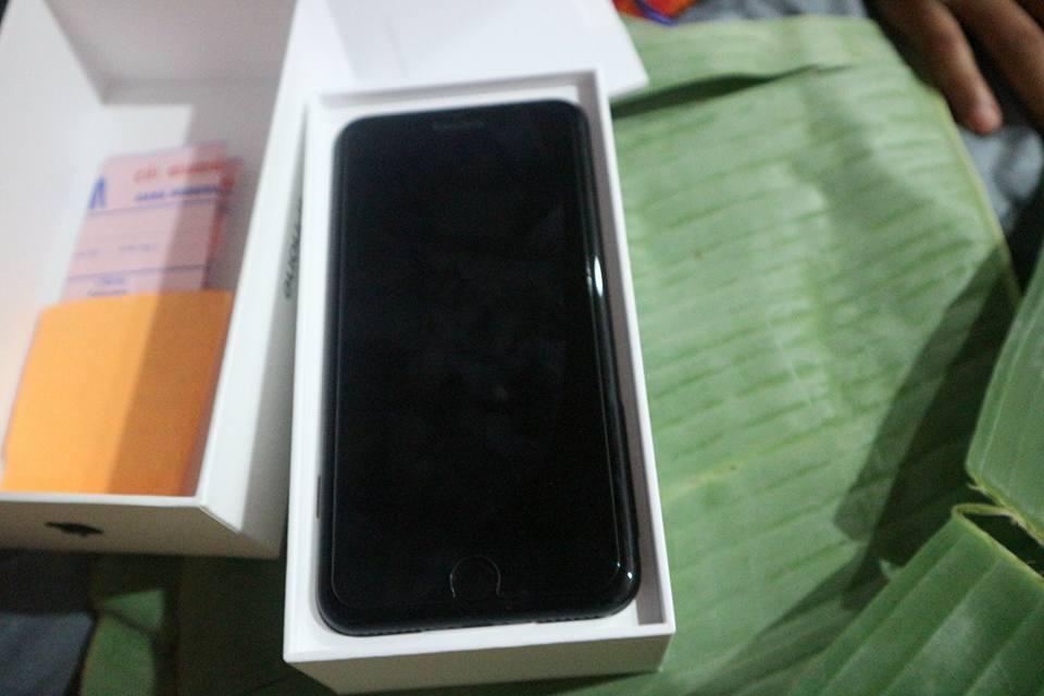 ក្តីស្រលាញ់របស់ឪពុកម្តាយ ទិញ iPhone ឲ្យកូនដោយខ្ចប់ស្លឹកចេក-5